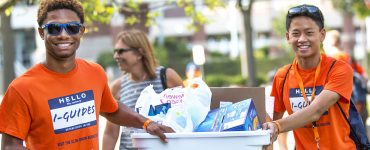 Illini helping new students get settled on campus