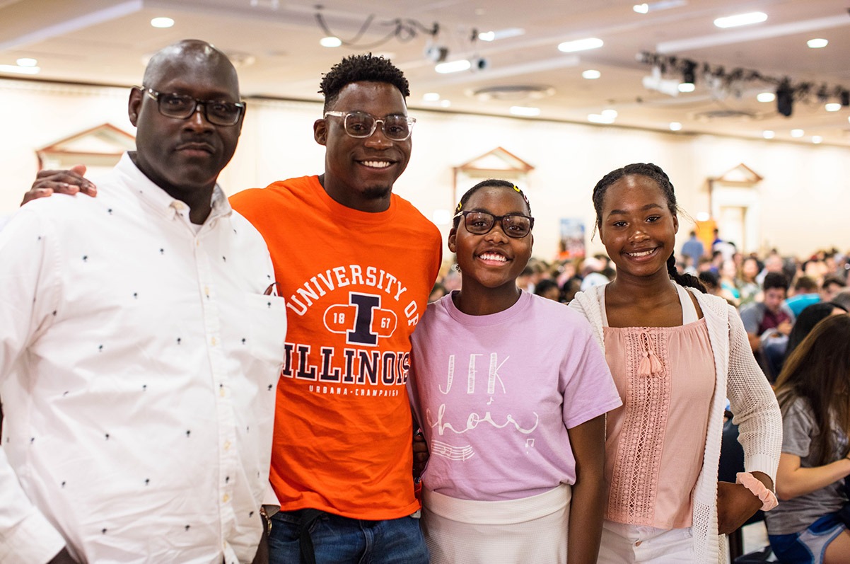 happy Illinois family at visit event